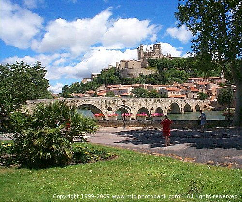 St Nazaire Cathedral and the Roman bridge at Béziers